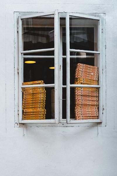 pizza-box-stack