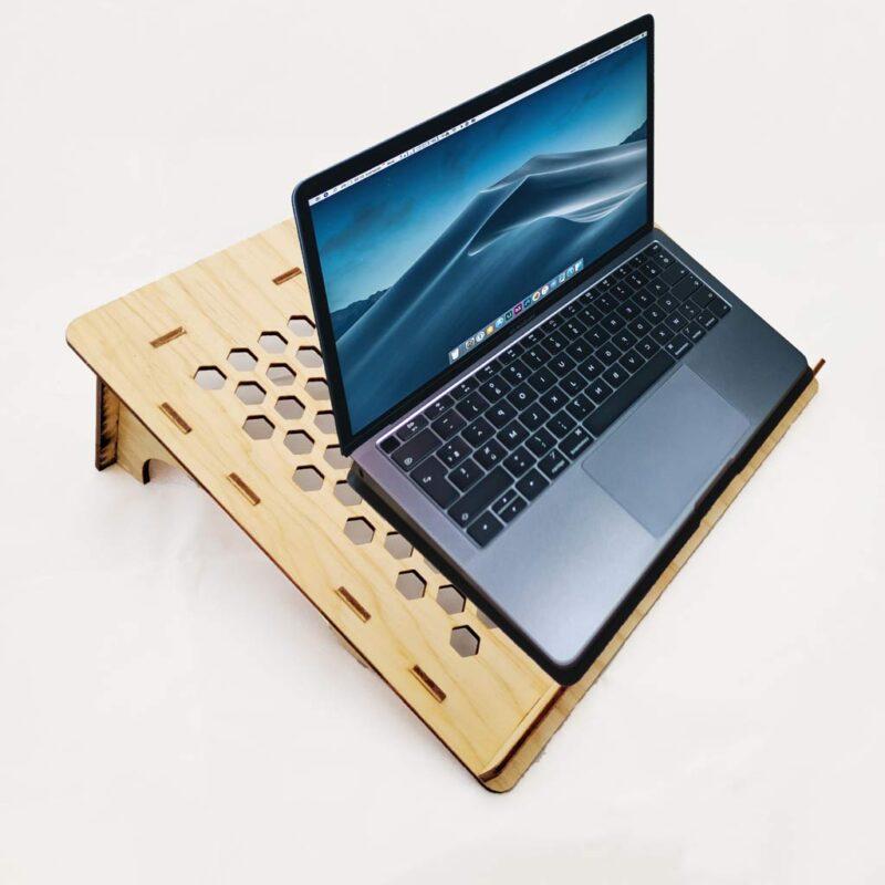 Escritorio / Mesita Portátil ´Lap Desk´ para Laptop ligera y hecha de madera
