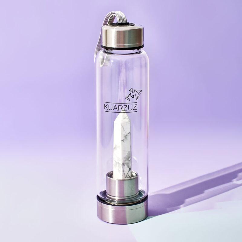 Botella con cuarzo Howlita Blanca – Comunicación, relajación y sanación – Kuarzuz