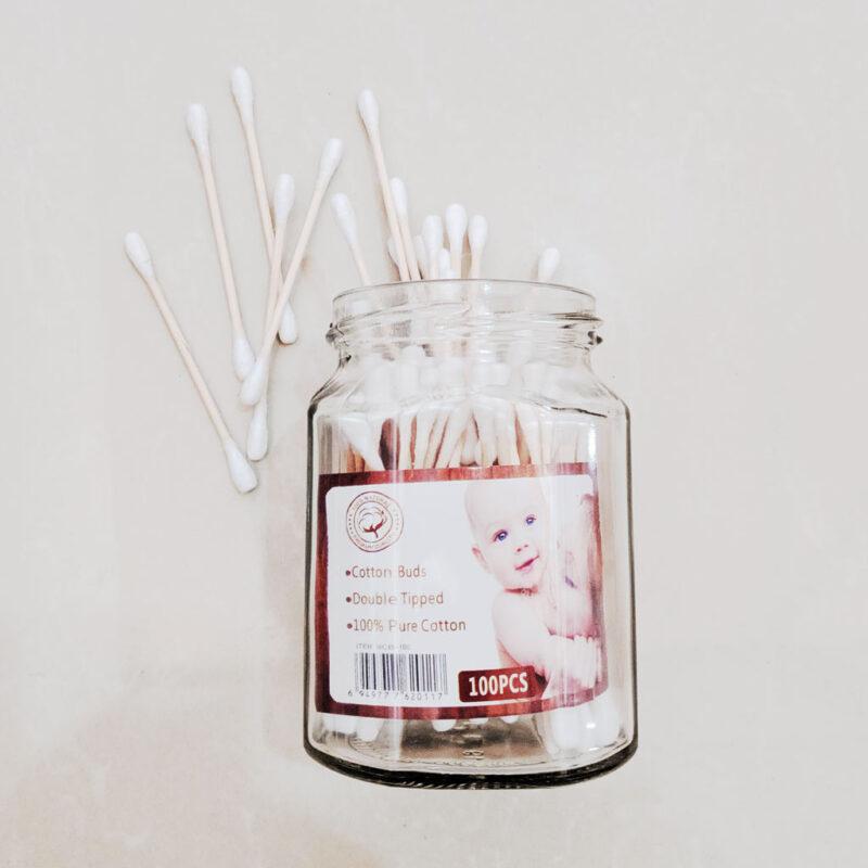 Envase con Aplicadores de algodón y bambú – recargable – 100 piezas